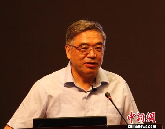 教育专家朱永新:纸质阅读有助于培养儿童的注意力和思考力