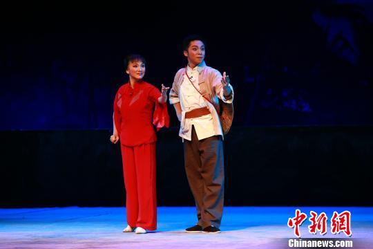 广西戏剧院携现代京剧《红色娘子军》开启海南巡演