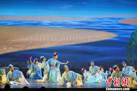 第八届诸葛亮文化旅游节开幕展现特色民俗文化