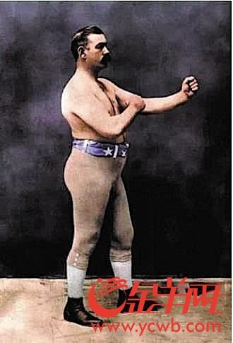 喜欢穿着秋裤比赛的拳王约翰·萨利文