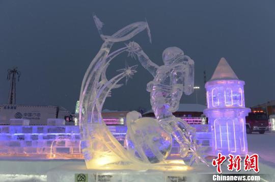 俄选手雕刻《王者荣耀》角色在国际冰雕赛获奖