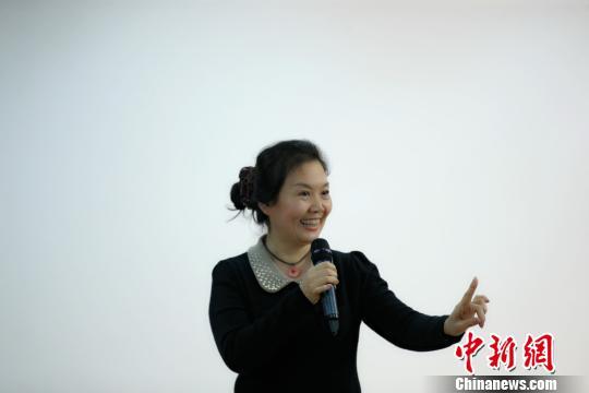 新凤霞之女吴霜将开演唱会纪念母亲90诞辰
