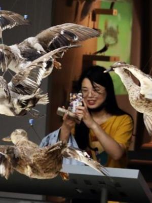 """上海自然博物館科學之夜上演""""百鳥爭鳴"""""""