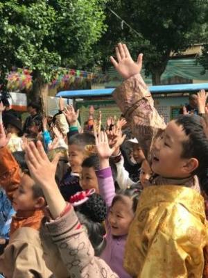 中国儿艺送戏到西藏 克服高原反应公益演出10场
