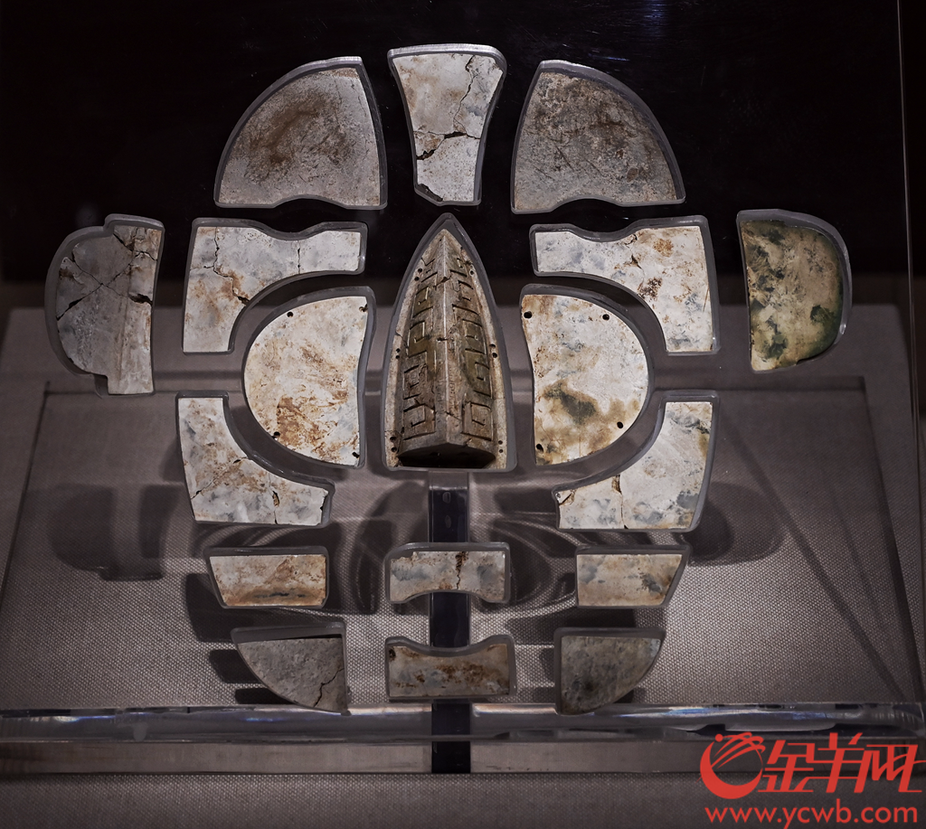 """""""齐鲁汉风""""展在西汉南越王博物馆开展。本次展览展出了来自山东博物馆、山东省文物考古研究院等八家单位收藏的包括临淄大武齐王墓、曲阜九龙山鲁王墓等在内的十余座山东汉代诸侯王墓出土精品文物共354件,其中一级文物45件,二级文物49件,三级文物64件,汇聚了山东出土的汉代文物之精华,尽显巍巍齐鲁,浩浩汉风。羊城晚报全媒体记者 邓勃 摄"""